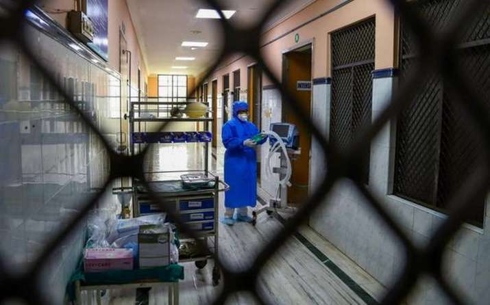 Italy reports 207,428 COVID-19 cases, cautious ahead of easing lockdown thumbnail