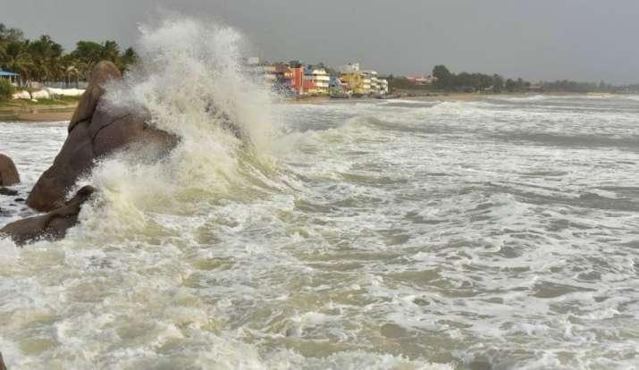 Cyclone Amphan brings high tide in Digha, Purba Medinipur