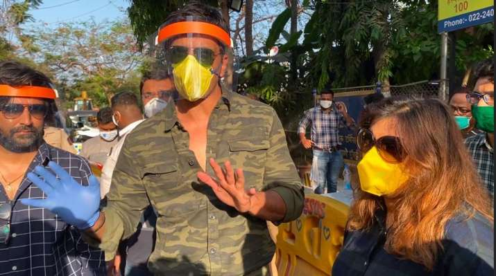 India Tv - Sonu Sood helps migrant workers reach their homes