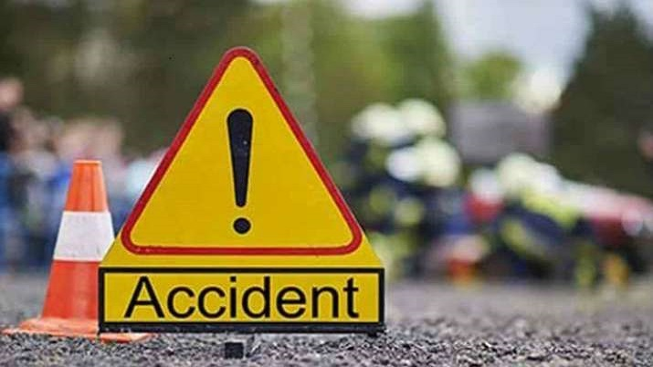 4 of family, saint killed in collision of two cars in MP