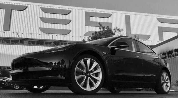 German man accidentally buys 28 Tesla Model 3 vehicles worth 1.4 million Euros