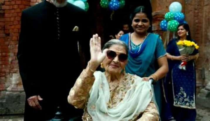 Praise for Begum in 'Gulabo Sitabo' makes me happy: Farrukh Jafar