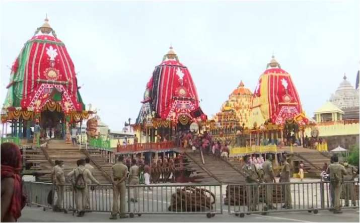 Lord Jagannath Rath Yatra held in Puri under curfew
