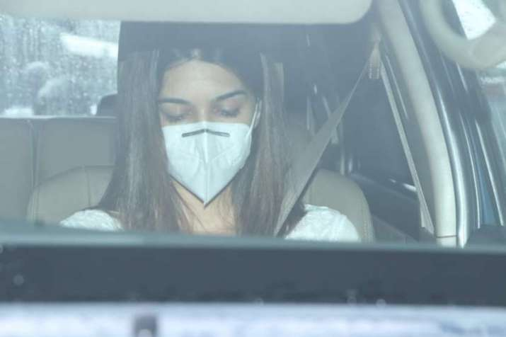 India Tv - Kriti Sanon at Sushant Singh Rajput's funeral
