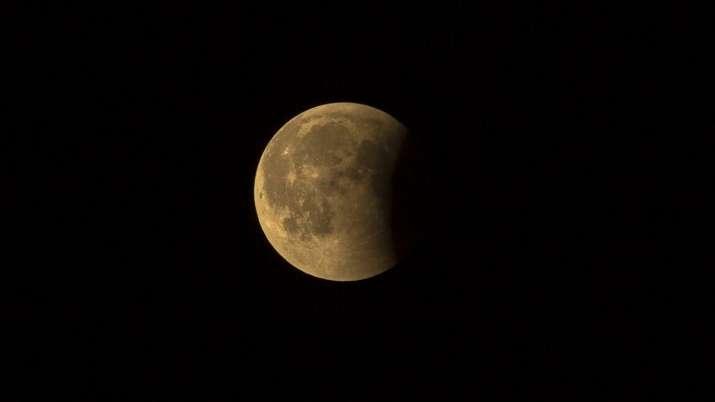 lunar eclipse live streaming, lunar eclipse online streaming, lunar eclipse how to watch online, lun