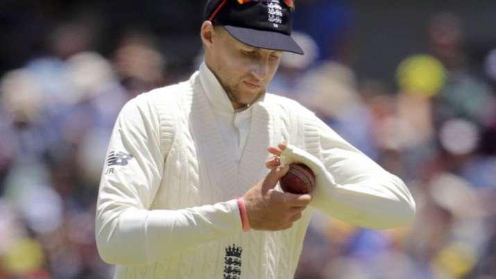 India Tv - Joe Root polishing the ball during the Ashes series against Australia