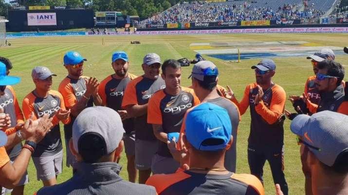 siddarth kaul, ms dhoni, siddarth kaul team india, siddarth kaul debut