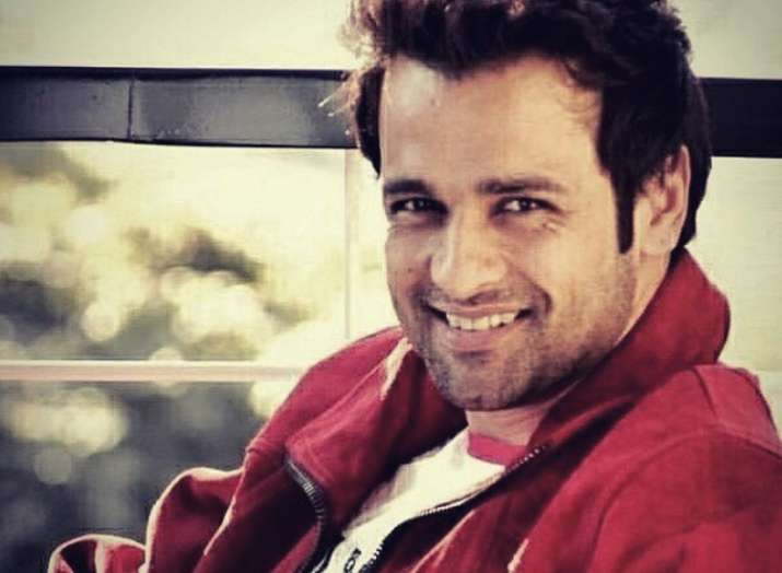 Rohit Roy trolled for his coronavirus post on Rajinikanth