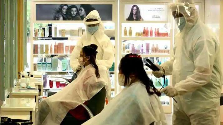 Salons, barbershops reopen in Mumbai after 3 months
