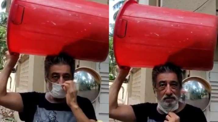 Video of Shakti Kapoor carrying plastic drum to buy liquor during Unlock 1.0 goes viral