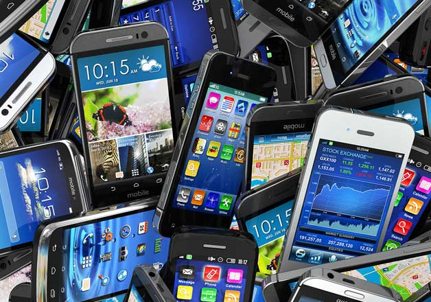 India online smartphone share to touch record 45% in 2020: Report