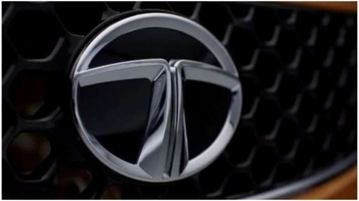 Tata Motors shares decline nearly 6 per cent on March quarter loss