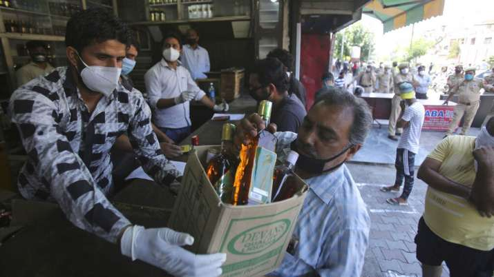 Liquor shops in Noida can open up to 9 pm outside containment zones