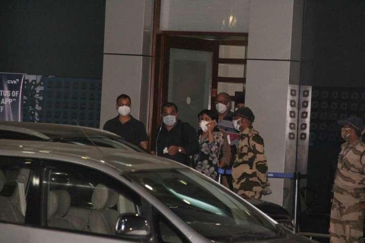 India Tv - Sushant Singh Rajput's family arrive at Mumbai airport
