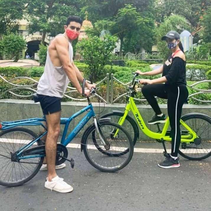 Sara Ali Khan goes cycling wearing mask with brother Ibrahim