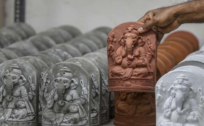 Ganesh Chaturthi 2020: No Public Immersion for Ganpatis in Mumbai's Containment Zones, Says BMC