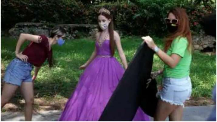 Face mask fashion: Cuban quinceaneras get a trendy twist amid COVID-19 pandemic