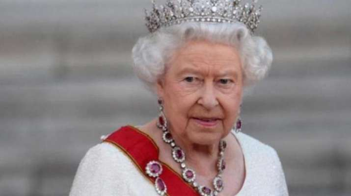 UK Queen heads for holiday after 4 months in isolation