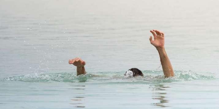 Mumbai cop jumps in  Mithi river to save drowning woman in Mumbai