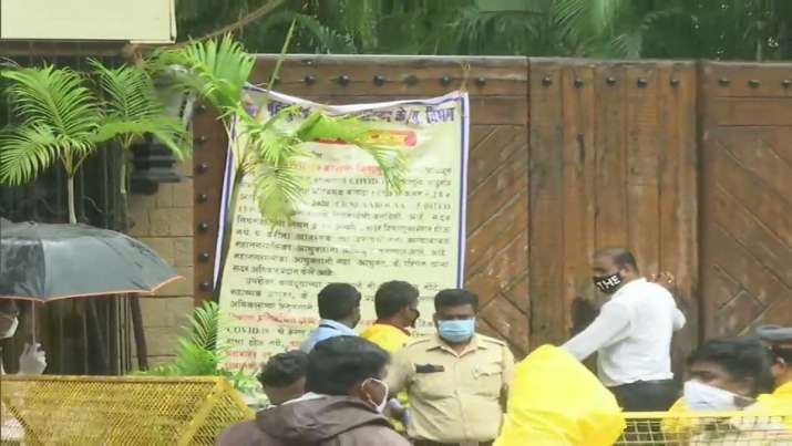 Security beefed up outside Nanavati Hospital, Bachchan's