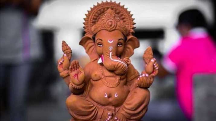 Vastu Tips Offering Turmeric To Lord Ganesha Is Considered