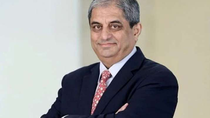 Aditya Puri sells HDFC Bank shares worth ₹843 crore