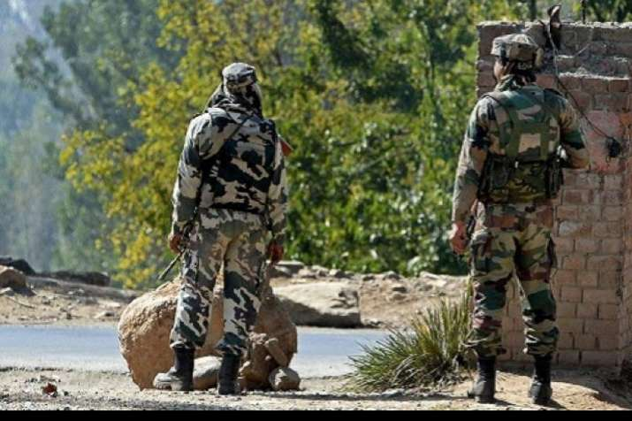 Jammu and Kashmir: LeT terror associate caught in Awantipora