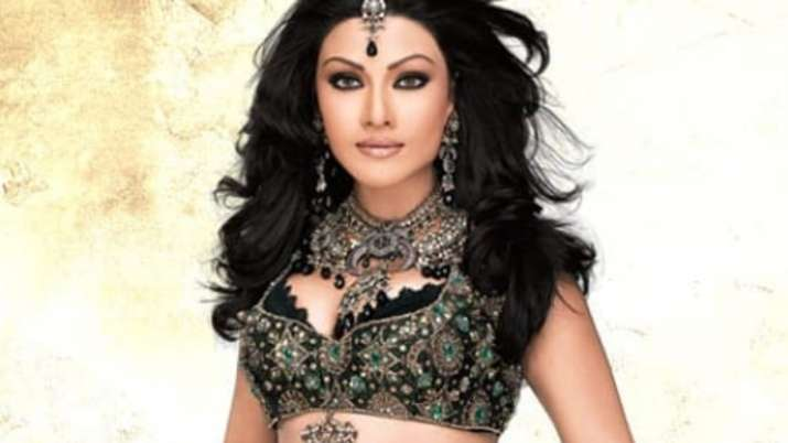 Koena Mitra files FIR against imposter over fake Instagram page in Mumbai