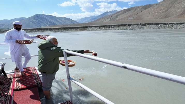 India Tv - PM Modi, Sindhu Puja, Nimmoo, Ladakh