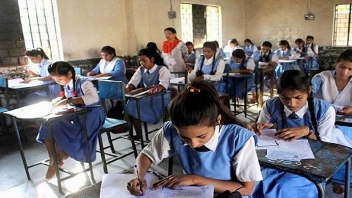 MP Board Result: 15-year-old girl, who attended school by cycling 24 km a day, gets 98.7% in Class 1