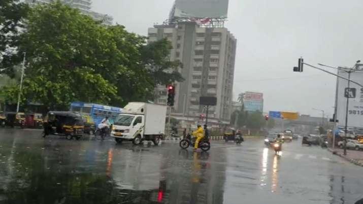 India Tv - Mumbai rains, heavy rainfall, Bandra, Hindmata, Parel