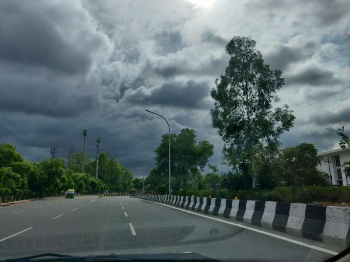 India Tv - Noida weather turns pleasant as monsoon clouds cover city