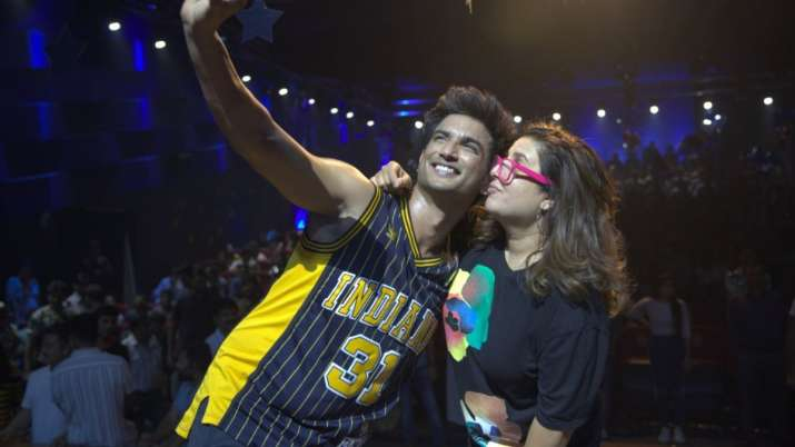 Dil Bechara Song Making: Farah Khan shares memories of rehearsals with Sushant Singh Rajput thumbnail