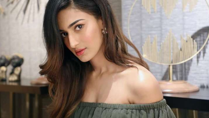 Kasautii Zindagii Kay 2 actress Erica Fernandes tests COVID19 negative