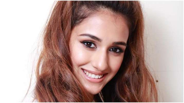 Disha Patani S Latest Picture In Black Swimwear Takes The Internet By Storm Celebrities News India Tv