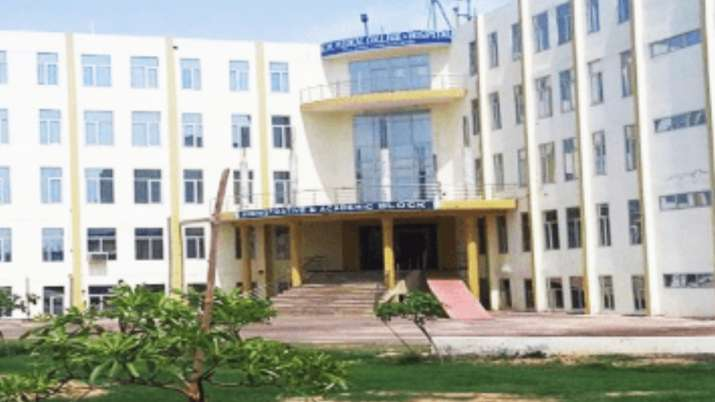 KM Medical College cancels 7 per cent fee hike order after student's protest