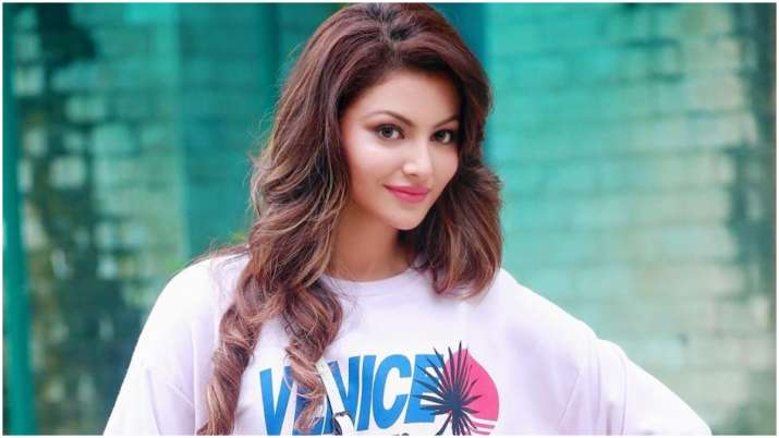 Urvashi Rautela shares why her boyfriend 'does not exist' thumbnail