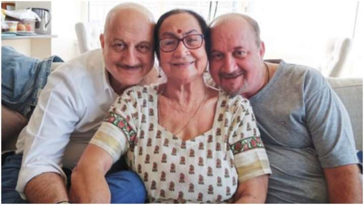 Anupam Kher pens inspirational message about life a day after mother, brother test Covid-19 positive