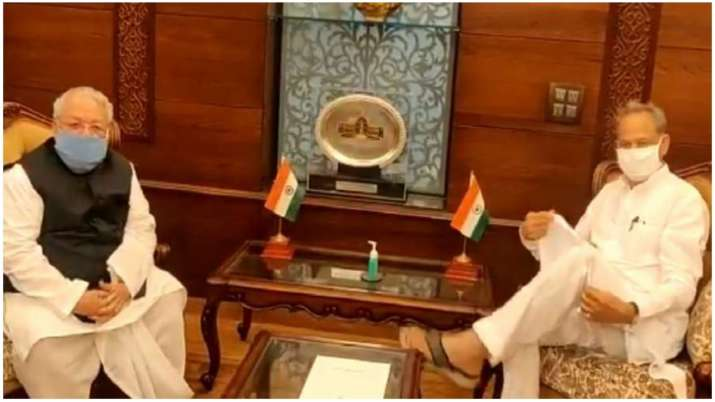 Ashok Gehlot meets Rajsthan Governor, hands over list of MLAs