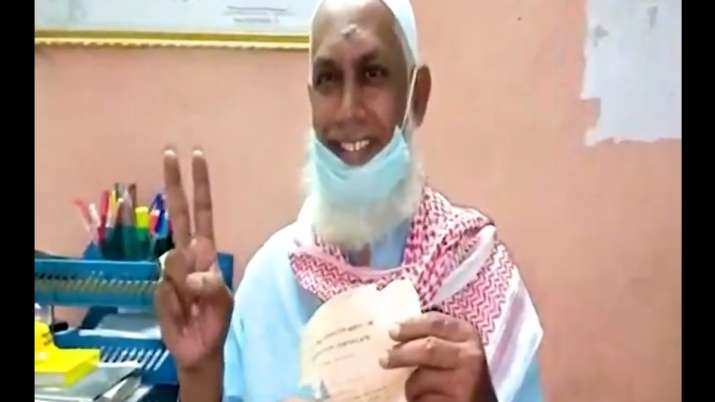 Hyderabad man clears class 10  exams after 33 years