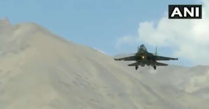 Video: IAF's Su-30MKI, Apache attack helicopter carry out