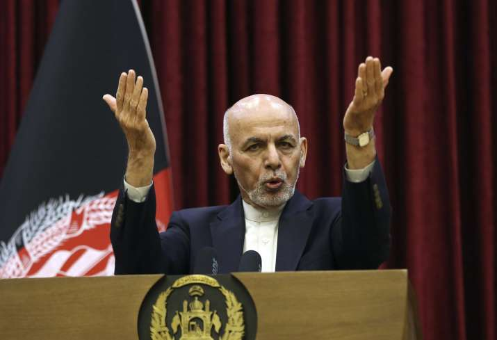 Afghan president Ghani signs decree to free 400 Taliban inmates