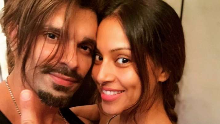 Karan Singh Grover Wishes His Father-In-Law, Mr Basu In ... |Karan Singh Grover And His New Wife