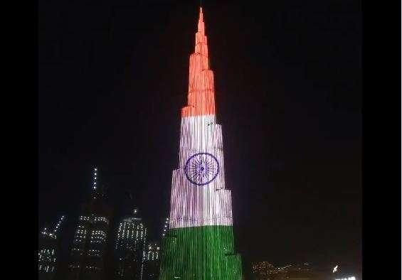 Jhanda Ooncha Rahe Hamara Burj Khalifa Wraps Itself In Tiranga On I Day India News India Tv