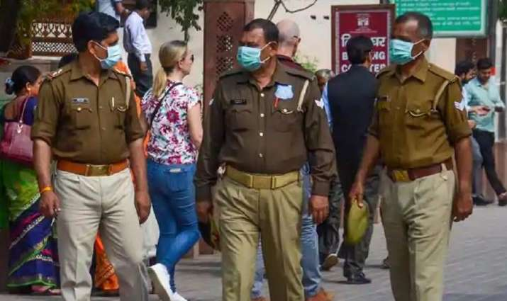 MP: 5 members of family found hanging at their house in Tikamgarh