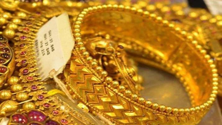 Gold price on August 28: Price of yellow metal decline by Rs 252, silver rises by Rs 462