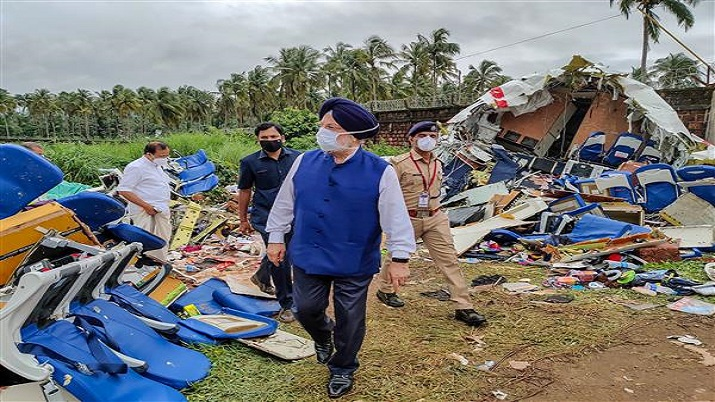 Pilot of crashed Air India Express flight one of the most experienced: Civil Aviation Minister Puri