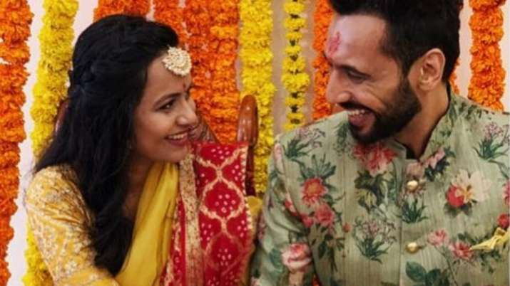 Khatron Ke Khiladi 9 winner Punit Pathak gets engaged to Nidhi Moony Singh