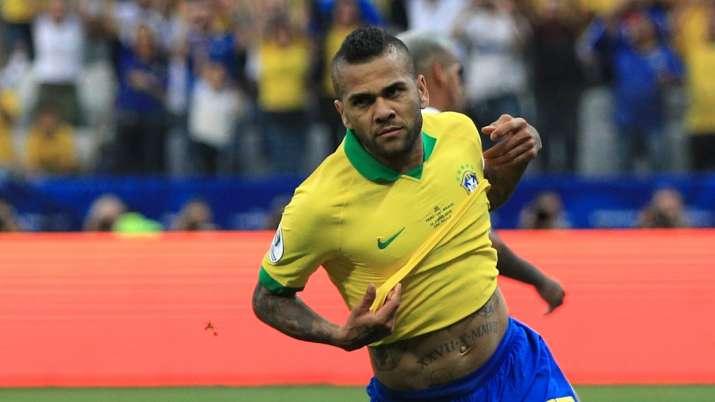 Veteran Dani Alves rules out Flamengo move