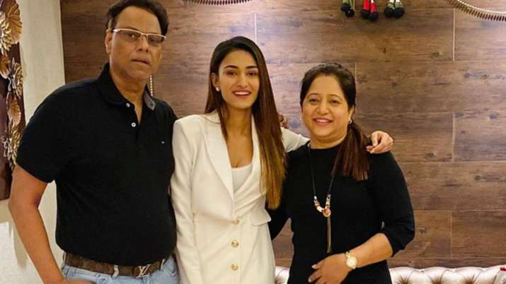 Kasautii Zindagii Kay 2 actress Erica Fernandes moves out of family house as she resumes shooting